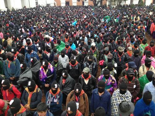 Manifestación zapatista el 21 del XII de 2012. © Foto: La Jornada / Víctor Camacho.