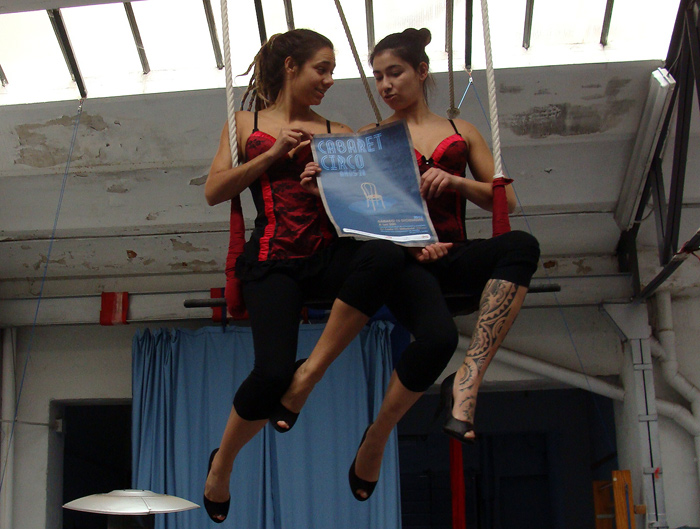 Estrella y Fabiola, de la compañía Las Grecas, harán un dúo de trapecio.