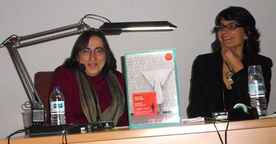 Ana Martín Puigpelat y Nuria Ruiz de Viñaspre.