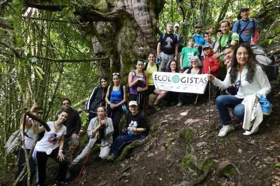 Algunos de los voluntarios de Ecologistas en Acción de León. Foto: E. Ureta.