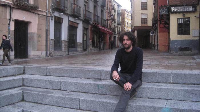 Yago Ferreiro, en el Barrio Húmedo de León. Foto: E. Otero.