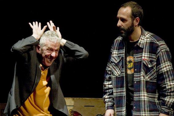 Txubio Fernández de Jáuregui y Miguel Garcés, actores de `Aquí va a pasar algo´. Foto: Marta Vidanes.