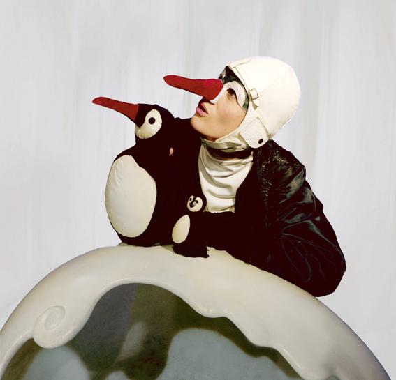 Compañía: Títeres de María Parrato. Espectáculo: 'Ping, el pájaro que no sabía volar'. Foto: Borja Frías.