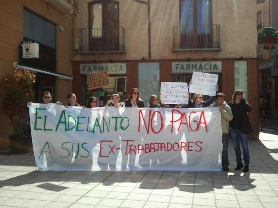 Imagen de la concentración en Zamora de los extrabajadores de El Adelanto
