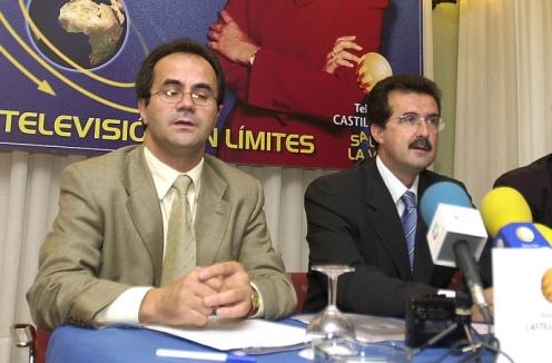 José Luis Ulibarri en un acto junto al periodista Florencio Carrera. Foto: Carlos Arranz