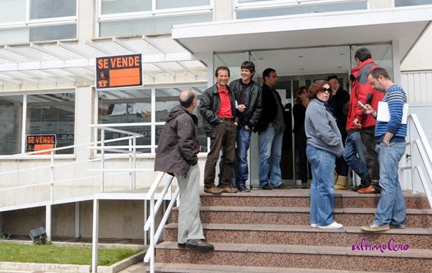 Concentración de trabajadores a las puertas de El Mundo de Valladolid. Foto: Carlos Arranz.
