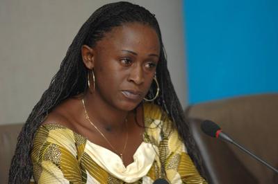 Caddy Adzuba, periodista congoleña de radio Okapi / (ONU). Fundación Euroárabe.