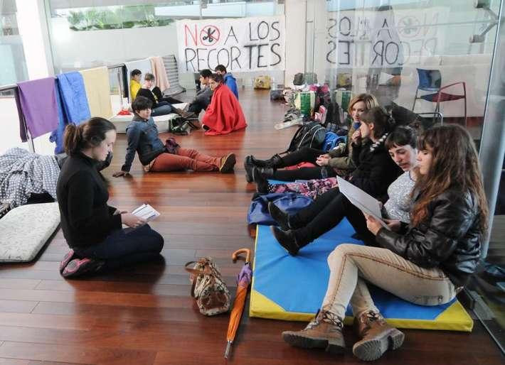 Los alumnos iniciaron su encierro en la Escuela Superior de Arte Dramático de Castilla y León el paado 25 de abril. Foto: Carlos Arranz (últimoCero).