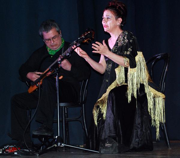 Rosa Manzano y el músico Juan Carlos Martín. Fotografía: José Ignacio Gil.