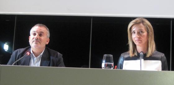 Manuel Olveira y Alicia García, en su comparecencia ante los periodistas. Foto: E. Otero.