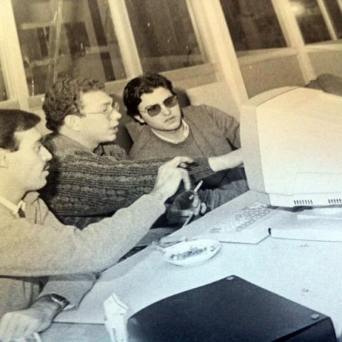 Soto, Julio Cerezo e Isaac G. Toribio preparando los números cero de La Crónica.