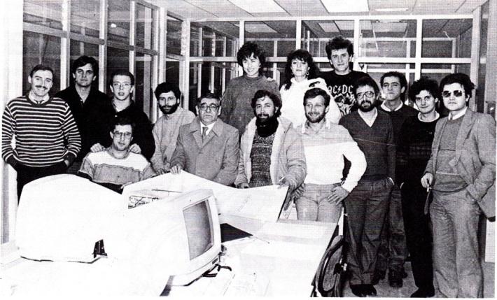 La plantilla inicial de La Crónica, en 1986, con Félix Pacho al frente.