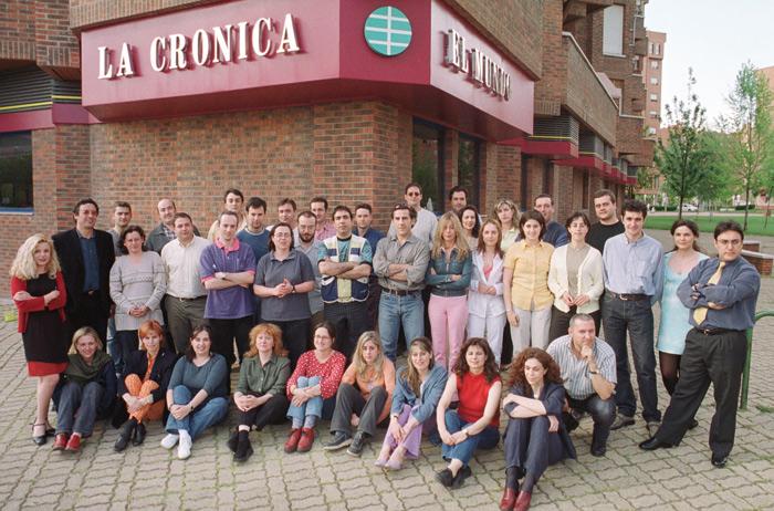 Foto de familia de plantilla en 2001.