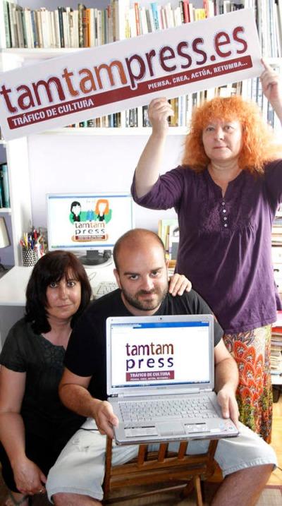 Camino, Sergio y Eloísa, fundadores de Tam Tam Press. © Fotografía: Bruno Moreno / Diario de León.