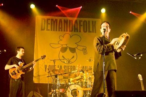 Actuación de Eliseo Parra durante el Demanda Folk. Foto: Francho Felices.