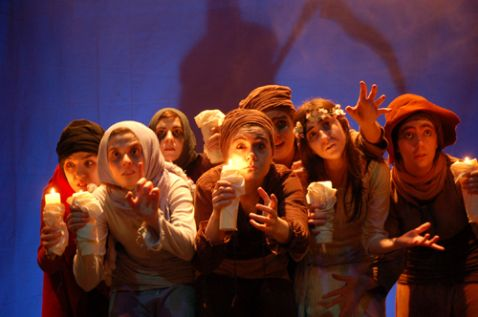 El grupo de teatro del IES Juan del Enzina (León) en 2008, cuando lo dirigía Javier R. de la Varga.