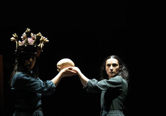 'Dança da morte'.  Coproducción entre Nao d'amores y Teatro da Cornucópia. Fotografía: Luis Miguel Santos.