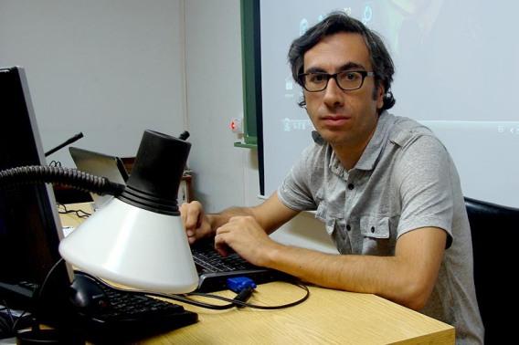 Javier Ocaña, minutos antes de su intervención en el curso de cine. Foto: L. Fraile.