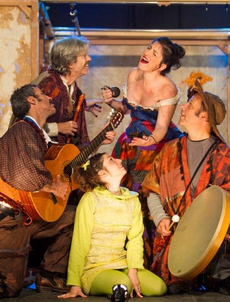 """Teatro Clásico de Sevilla: """"Julia. Un viaje Teatrástico"""". Foto: Feria de Teatro de Castilla y León."""