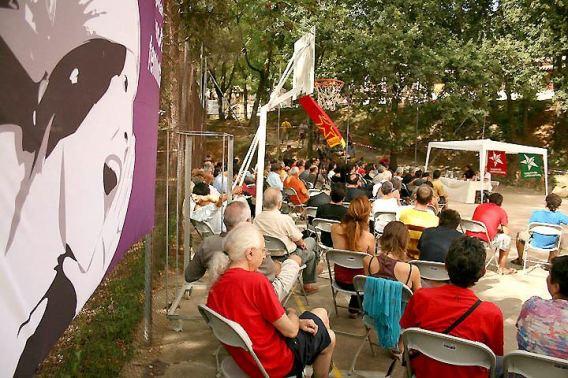Una de las sesiones durante la I edición de la Universidad de verano, celebrada en Bañolas. Foto: Izquierda Anticapitalista.