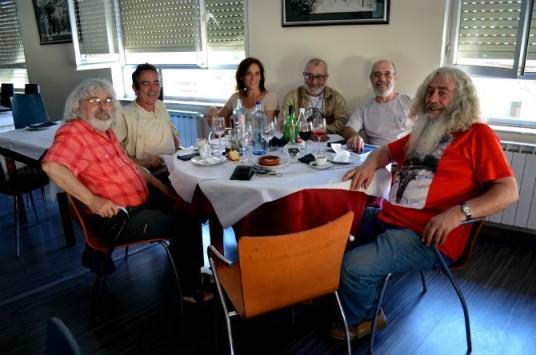 De izquierda a derecha: Félix Cariñanos, José María Maldonado, Luisa, Tomás Martínez, Arturo García y Marcelino Lobato. Fotografía: Rebeca Fernández.