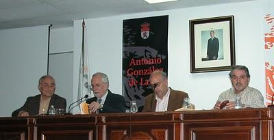 Fierro, Mateo Díez, Agustín Delgado y José Antonio Llamas en una foto de archivo, durante un acto en la Universidad de León.