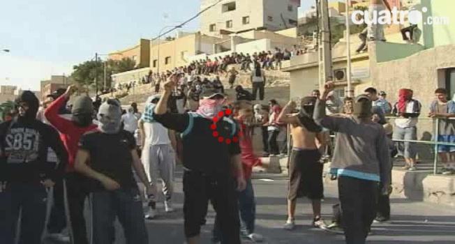"""Manifestaciones en Melilla al grito de """"Trabajo o guerra""""."""