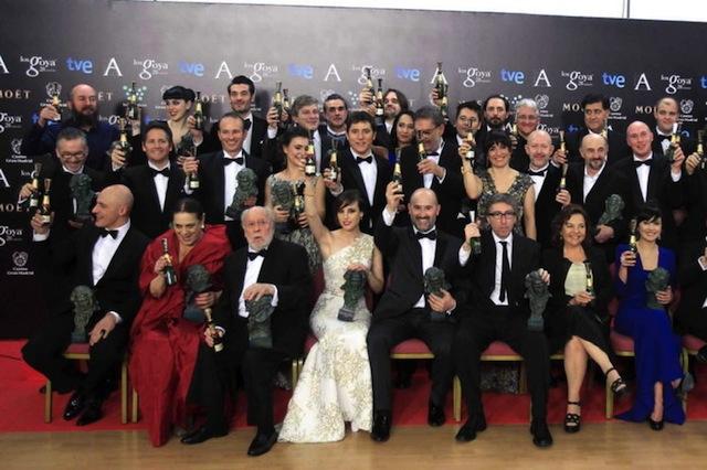Foto de familia de los premiados este año con los Goya.