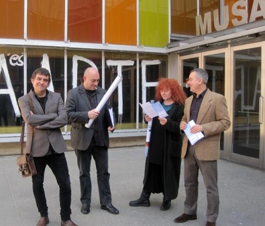 Los comisarios de la muestra Vicente Muñoz, Victor Díez, Eloísa Otero y Manuel Oliveíra, Director del Musac