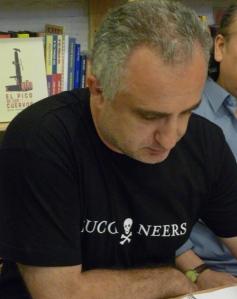 El poeta Víktor Gómez.