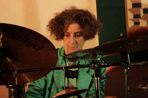 Chefa Alonso a la percusión. © Fotografía: María & Murciego.