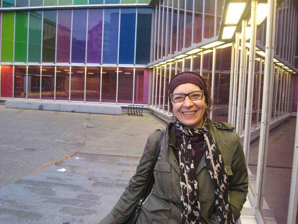 Olga Mansilla, durante una visita al Musac. © Fotografía: Eloísa Otero.