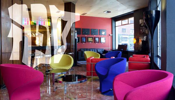 Sefarad en los salones del Café Ristán, en el Hotel Quindós (León).