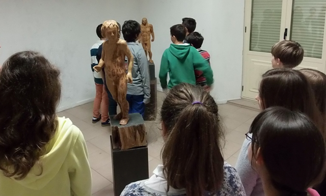 Alumnos del Colegio Maristas en la exposición
