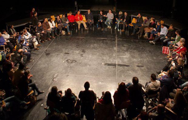 `La gente´ es el segundo espectáculo de la compañía valenciana Pérez & Disla. © Foto: Pérez & Disla.