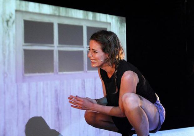 Cristina Fernández, protagonista de la obra `Harket (protocolo)´. © Fotografía: Assad Kassab.
