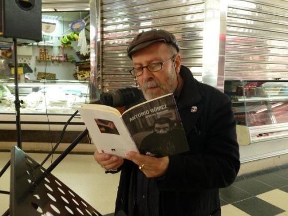 """Juan Carlos Valle, """"Karlotti"""", uno de los promotores de la Semana de Poesía Salvaxe."""
