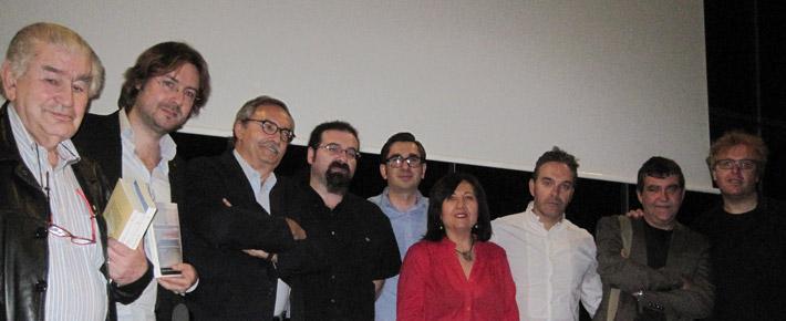 Los poetas tras el acto de presentación en el Musac. © Fotografía: E. Otero.