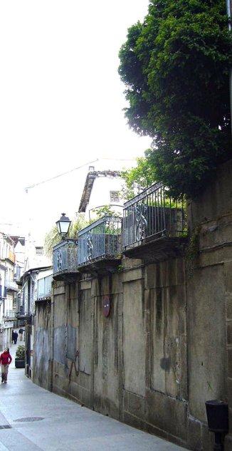Jardines en alto. / Calle Mayor de Sánchez Ocaña. Béjar. © Fotografía: José Carlos Sanz.