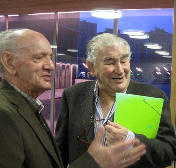 Los poetas Gaspar Moisés Gómez y Antonio Gamoneda. © Fotografía: E. Otero.