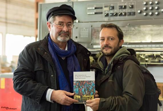 Miguel Ángel Fernández, autor del libro, y Carlos Tuñón (FotOrbayu), autor de las imágenes.