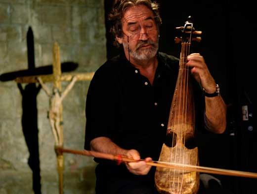 El violista Jordi Savall, especialista en música antigua, exige subvención para todos los artistas y la Cultura en general.