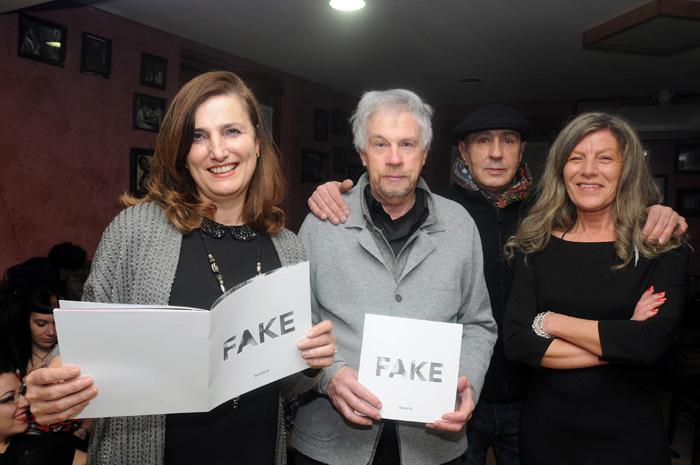 Marisa del Riego, Carlos Pérez-Alfaro, Manuel Gutiérrez de la Pola e Irune Vidal, en la presentación del nª 1. © Fotografía: Javier Casares.