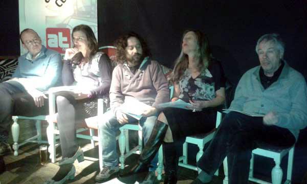 Presentación de Fake en El Desierto Rojo de Valladolid. © Fotografía tomada por el móvil por Laura Fraile.