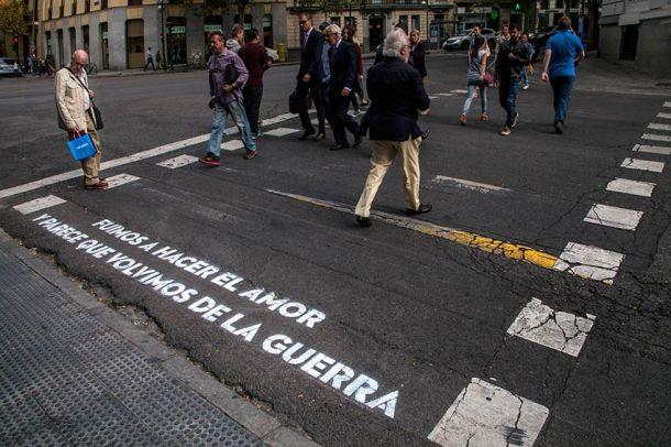 Acción poética de BoaMistura, de la que se hablará en el taller. © Fotografía: BoaMistura.
