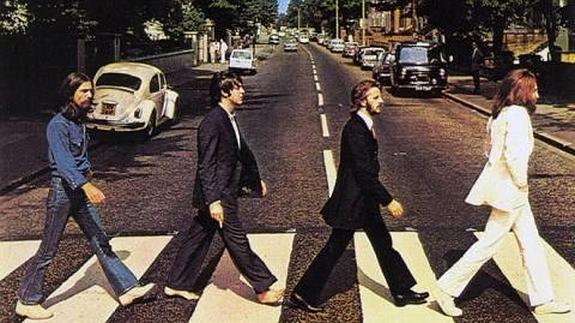 Una de las bases del bulo parte de que Paul apareciera descalzo en la famosa portada