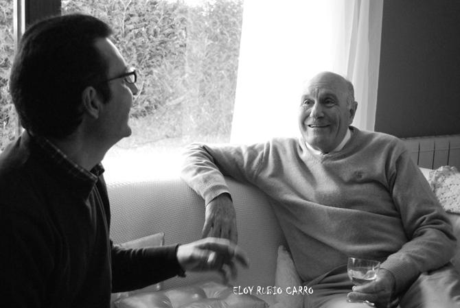 Venancio Iglesias con Luis Miguel  Suárez, durante la entrevista. © Fotografía: Eloy Rubio Carro.