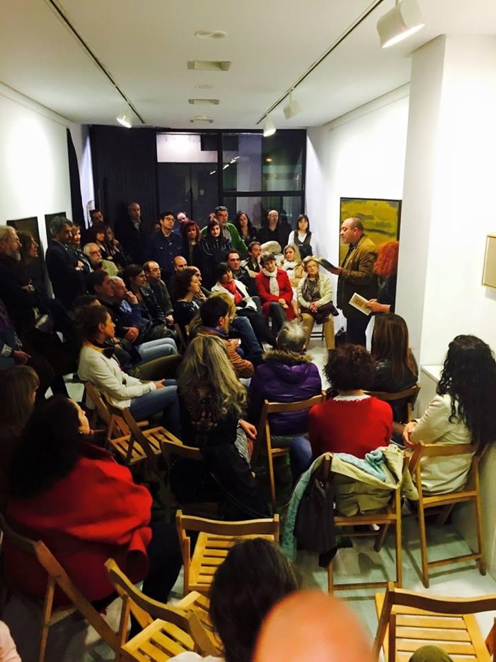 Imagen de la galería Ármaga durante el recital. © Fotografía: Asunción Robles.