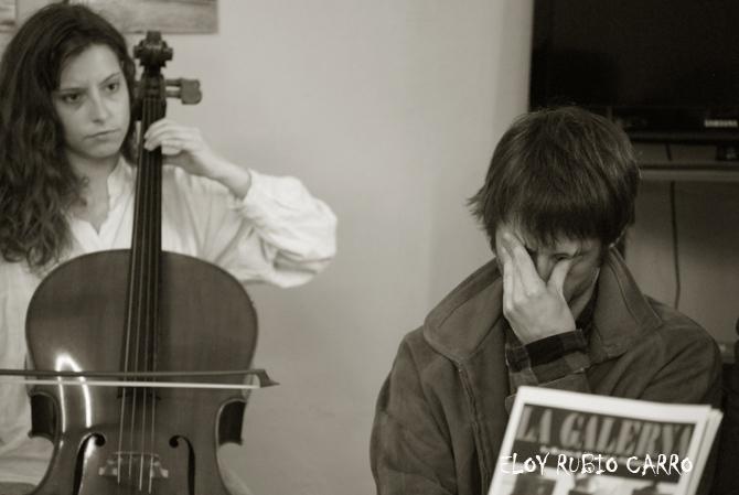 Jorge Pascual, con la violonchelista Mónica Jorquera, durante la presentación del libro. © Fotografía: Eloy Rubio Carro.