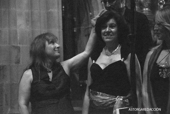 María José Cordero, a la izquierda, el día del estreno de su cantata en Astorga. © Fotografía: astorgaredaccion.com